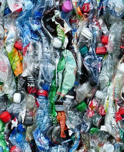 inquinamento-plasticafloating-dx