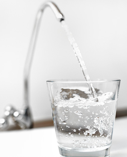 depuratore_acqua_rubinetto_bicchiere